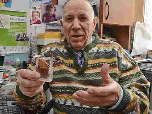 Scientifiques ukrainiens ont créé une batterie smartphones qui fonctionne plus que 12 ans.