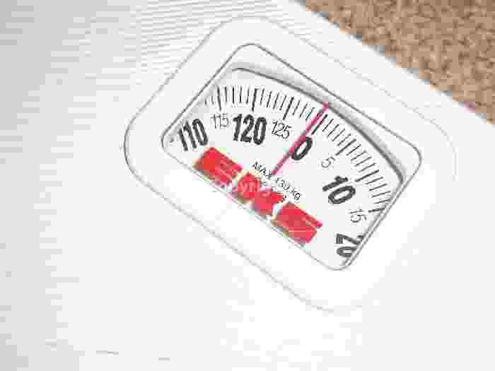 Combien couper de calories par jour pour maigrir de 1 ou 2 kilos par mois?